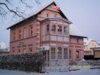 Hier ein Anblick auf Haus & Terrasse im Februar 2012 - Bild 13: barrierefreie kinder- und hundefreundliche Ferienwohnung****im EG in Lubmin