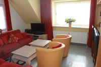 Wohnzimmer mit Schlafsofa - Bild 1: Sylt - Westerland Ferienwohnung mit Internet / Wlan im 1. OG. Whg.3
