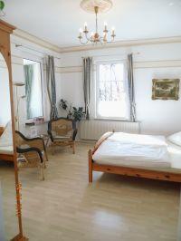 """Hier sehen Sie das """"Zimmer"""" unseres """"Wintergartenzimmers"""" :-) - Bild 1: Wintergartenzimmer *** / Pension """"Villa Erika"""" *Seebad Lubmin *Ostsee"""