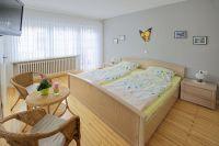 """Schlafzimmer der Ferienwohnung """"Classic"""" - Bild 4: Ferienweingut Scholtes-Hammes"""