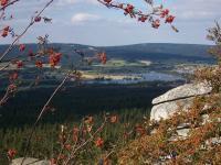 Blick vom Rudolfstein zum Weissenstädter See - Bild 13: Ferienwohnung am Weissenstädter See im Fichtelgebirge