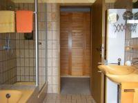 Bad mit Wanne, dusche und WC - Bild 7: Ferienwohnung am Diemelsee im Sauerland