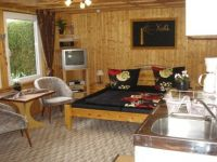 Wohn- und Schlafbereich in Bungalow LEE - Bild 10: Ferienwohnung im Bungalow direkt an den Boddenwiesen 350 m Ostsee