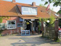 ein uriges Cafe/Restaurant mit kleinem Biergarten. Hier gibt es selbst gebackenen Kuchen und preiswerte Gerichte. - Bild 16: Nordsee / Ostfriesland strandnahes Ferienhaus 1-6 Personen ( Hund erlaubt)
