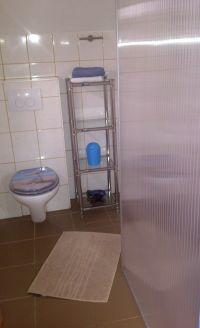Badezimmer,Dusche,WC,Fenster und Duschwand- - Bild 10: Genießen Sie die Ruhe und das Meer. Ferienwohnung 45qm 2Pers. und Kleinkind