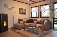Gemütliche Sitzecke im Wohnzimmer. - Bild 7: Eifel-Ferienhaus Fliegenpilz - für Ihren Urlaub mit und ohne Hund