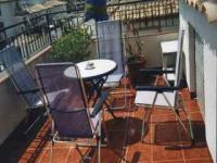 Sonnenterrasse mit Stühlen und Liegen - Bild 10: Ferienhaus im andalusischen Stil von privat an der Costa Blanca in Spanien