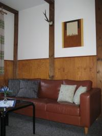 Die Couch. - Bild 1: Appartement Nr. 7 in der Zigeunermühle in Weißenstadt/Fichtelgebirge