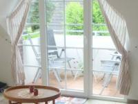 Blick auf den Balkon - Westseite - Bild 7: Traum-Ferienwohnung Deichrose Greetsiel - Top-Ausstg für 4 Pers.+Baby