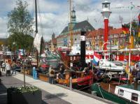 Das nahe Emden lädt alljährlich zum Matjesfest ein - Bild 22: Ferienwohnung Mühlenblick in Rysum bei Greetsiel