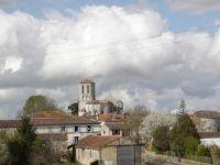 Panoramablick auf das Dorf Champagne - zu genießen aus dem Schlafzimmerfenster im OG - Bild 7: Ferienwohnung mit Schwimmbad in SW-Frankreich, Nähe Atlantik
