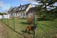 Bild 1: typ. Normandiehaus für Urlaub mit dem Hund mit eingez. Garten.
