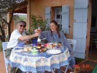 Bild 1: Kleines originelles Rebhaus mit Tierhgehege in der Provence verte