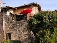 Bild 1: rustikales Ferienhaus aus Naturstein