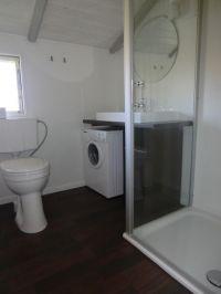 neues Bad in 2012, mit erhöhter Toilette und ebenerdigen Duscheinstieg - Bild 4: Meerchenhaus in Schönhagen ca. 500m vom Strand entfernt mit Internetnutzung