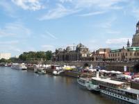 Verbringen Sie doch mal einen Tag in Dresden liebe Gäste, z. B.hier am Terrassenufer an der Elbe - Bild 1: Fewo Noack Sächsische Schweiz nahe Bad Schandau