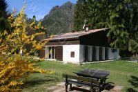 Bild 7: Villa Nini mit eingezäunten Garten am Ledrosee für Urlaub mit dem Hund