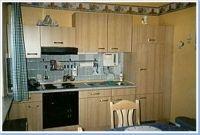 Komplett ausgestatte Küche mit Kühlschrank, Backofen, Mikrowelle, Toaster, Eierkocher, Wasserkocher. - Bild 1: FeWo Rübennest 3b Obergeschoss für max. 6 Personen, Hunde willkommen