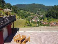 Wenn sie nicht auf der Terasse sitzen möchten, können sie auch hier in der Sonne Frühstücken oder am Abend mit Wein und Käse den Abend ausklingen lassen - Bild 25: Exclusive Studio- Ferienwohnung im Schwarzwald - Hund incl.