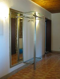 Flur mit Eingangsbereich und Garderobe - Bild 1: Ferienhaus EifelNatur 1 - großzügige und komfortable 4-Sterne-FeWo
