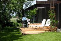 Liegestühle und Strandkorb - Bild 1: Hus Everschop - Friesenfinca im alten Ortskern von Tetenbüll - nahe SPO