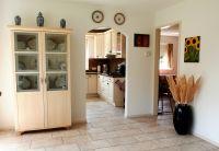 Durchgang zur Küche und zusätzliches Schlaf- oder Wohnzimmer. - Bild 13: Sehr schönes Ferienhaus, jetzt € 50,- Rabatt jedes Wochenende bis Mai