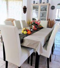 Essbereich mit 8 neue Stühlen und unserem Willkommengeschenk - Bild 10: Sehr schönes Ferienhaus, jetzt € 50,- Rabatt jedes Wochenende bis Mai