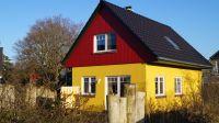 Haus mit Ansicht zur Terrasse - Bild 1: Ferienhaus Kiek Över mit Sauna und Kamin in Prerow