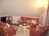 Sitzgruppe mit Schlafcouch - Bild 7: Ferienwohnung BINNEN mit Gartenbereich,Balkon und Sauna