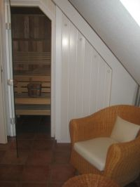 Die Sauna ist in das Badezimmer unserer Ferienwohnung integriert. - Bild 13: Ferienwohnung BINNEN mit Gartenbereich,Balkon und Sauna