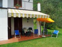 Die Terrasse der Mimosa D mit Seeblick und Gartenmöbel. - Bild 4: Cabiana Residence - 6 Pers.- Ferienwohnung am Gardasee mit Seeblick