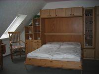 Schrankbett für 2 Personen im unteren Wohnbereich - Bild 4: Nordseeküste-Schillig, Appartmenthaus-Boje Wohnung 15