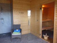 eine breite, Rolli gängige Tür, die Temperatur bestimmen Sie selbst, Abkühlung durch Dusche im Raum. - Bild 13: mitten in d. Natur, modern,ruhiges Haus für 6 Pers. rollstuhlgerecht