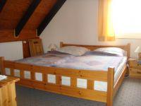 Doppelbett im 2. Schlafzimmer - Bild 7: Fewo Hoogen im Nordseeheilbad Friedrichskoog-Spitze. 150 m bis zum Strand.