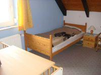 Einzelbett im 3. Schlafzimmer - Bild 10: Fewo Hoogen im Nordseeheilbad Friedrichskoog-Spitze. 150 m bis zum Strand.