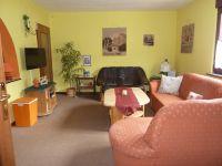 gemütliches Wohnzimmer - Bild 1: Ferienwohnung Feenhaus Erholung u. Entspannung im Hunsrück mit Hund