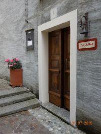 Der Eingang zu Cà Àrbul und den beiden Ferienwohnungen - Bild 1: Ferienwohnung I im Cá Árbul (Valle Cannobina in Italien/Lago Maggiore)