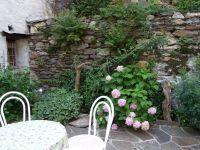 Wer lieber draussen sein Frühstück geniessen möchte, kann das auf der Gartenterrasse tun - Bild 13: Ferienwohnung I im Cá Árbul (Valle Cannobina in Italien/Lago Maggiore)