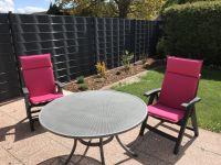 """Der Garten ist komplett eingezäunt und lädt zum Sonnenbaden und Relaxen ein. - Bild 7: Ferienhaus """"Friederike"""" an der Nordseeküste - ebenerdig - Hunde erlaubt"""