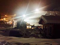 An Wochenenden und Feiertagen wird der in nur 100 Metern Entfernung liegende Ski Hang bis 22 Uhr 30 mit Flutlicht beleuchtet. - Bild 7: 70m² Ferienhaus mit Panoramablick gegenüber Skihang, Mountaintrailparkour