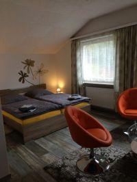 Bietet maximal 5 Schlafplätze und ist zu den Wohnzimmern auch mit einem großen Flachbildfernseher ausgestattet. - Bild 19: Haus Panoramablick im Oberharz mit 50.000er Internet