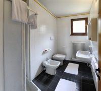 Bild 10: Ferienhaus LAURA in Malcesine in einem 2500 m² großen Olivenhain