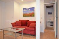 Ein zusätzlicher Wohnraum, der vielseitig genutzt werden kann mit TV, Schlafcouch (für 2 Personen) und Austritt zur Sonnenterrasse. - Bild 10: Ferienhaus Eifelröschen - wenn Sie das Besondere lieben