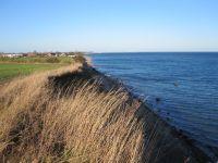 Fußläufig ist der Wanderweg, direkt an der Ostsee zu erreichen. Ein toller Blick und eine saubere, gesunde Luft trägt zur Erholung bei. - Bild 16: Ankerplatz-Schönhagen,direkt an der Ostsee - W-Lan vorhanden + Fahrräder