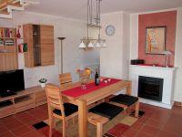 Ich habe meine Wohnung im Juni 2011 renoviert und neu möbliert. - Bild 1: Insel Rügen; Maisonettewohnung von Privat; Schwimmbad/Sauna 400m vom Strand