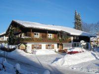 Unser Haus im Winter - Bild 1: Pension Landhaus Barbara in Fischen i. Allgäu