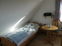 OB-alle Räume mit Laminat ausgelegt. - Bild 13: Friesenhaus Elke 2-5 Personen, Urlaub mit Hund,eingezäunten Garten.
