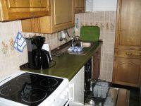 es ist alles da, was Sie brauchen: reichlich Geschirr, Spülmaschine, Backofen, Kaffeemaschine, Toaster usw. - Bild 7: Wohnung Wittdün Leuchtturm-Restaurant Norderney